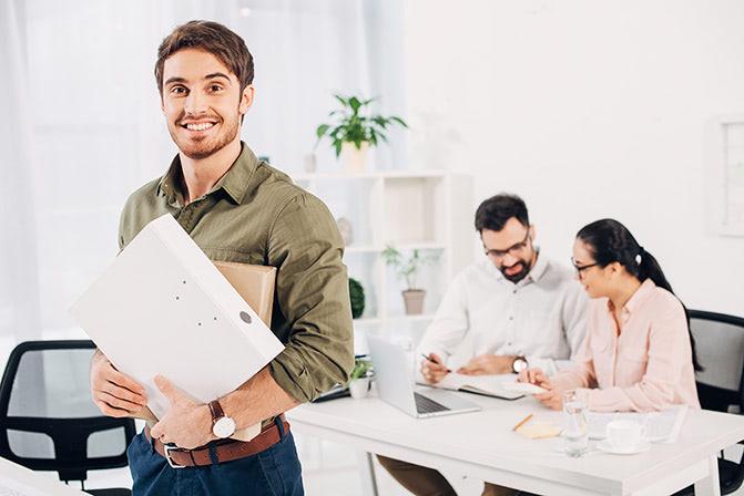 Как подобрать офис-менеджера